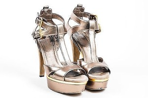 Gucci Metallic Leather Silver Sandals