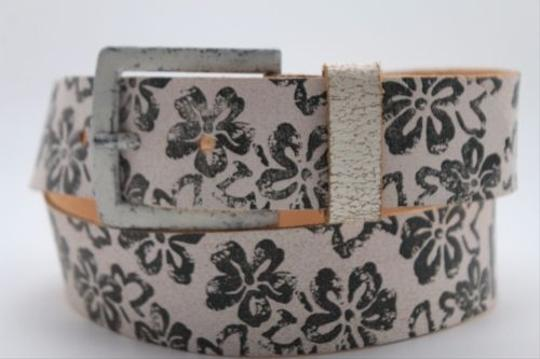 Preload https://img-static.tradesy.com/item/11308276/women-boho-belt-fashion-light-brown-faux-leather-black-flowers-square-buckle-0-0-540-540.jpg