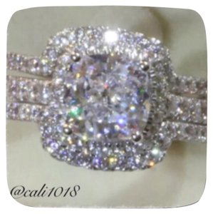 Other 3pc Sparkly Wedding Ring Set