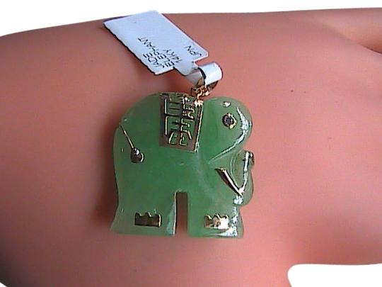 Unknown Beautiful 14k Solid Yellow Gold Green Jade Elephant Pendant