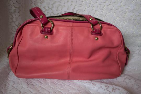 Coach Leather Zippers Satchel in pink