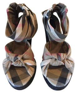 Burberry Prorsum Beige and Black Wedges