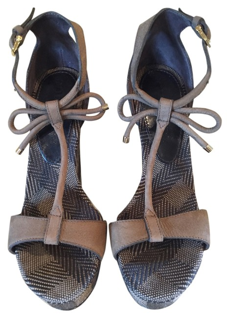 Burberry Beige and Black Platforms Size US 6 Burberry Beige and Black Platforms Size US 6 Image 1