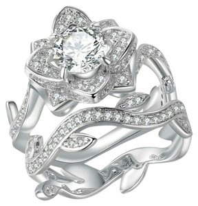 beautiful cubic zirconia flower ring and band