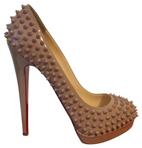 Christian Louboutin Biege Pumps