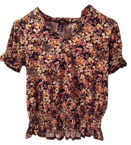 H&M T Shirt Black and floral