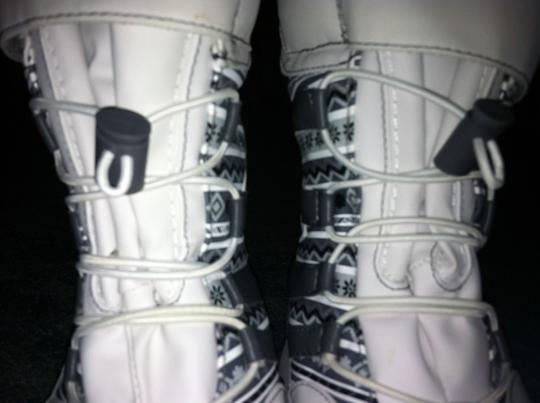Thermolite Snow white and grey Boots