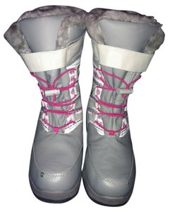 Thermolite Gray Snow Fur grey, hot pink, and white Boots