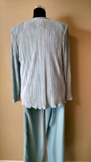 Coldwater Creek Baby Blue Crinkled Satin and Rayon Piece Suit Feminine Bridesmaid/Mob Dress Size 8 (M) Image 4