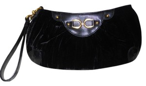 Adrianna Papell Clutch Wristlet in black