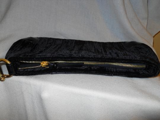Adrianna Papell Clutch Wristlet in black Image 10