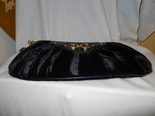 Adrianna Papell Clutch Wristlet in black Image 7