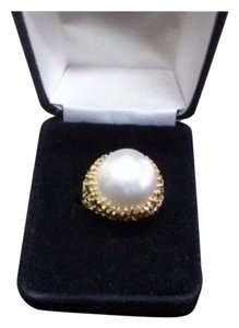 Tiffany & Co. Tiffany & Co. Natural Pearl 18 k gold dome ring Size 5.0