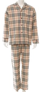 Burberry Creme, black, red Burberry Nova check two-piece pajama set New M Medium