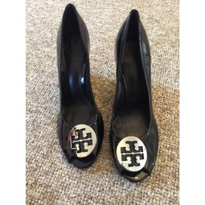 204c3d5512ce61 Tory Burch Wedges on Sale - Up to 70% off at Tradesy