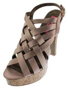Betsey Johnson Cayger Strappy Platform Size 8 Blush Satin Sandals