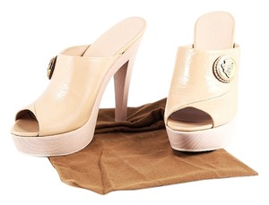 Gucci Patent Leather Peep Toe Nude Mules