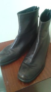 Stuart Weitzman dark brown Boots