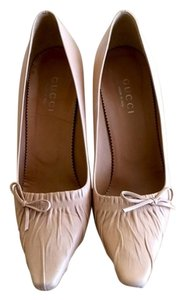 Gucci Monogram Leather Tan Pumps