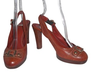 Coach Giana Leather Made In Italy Distressed Brown Pumps