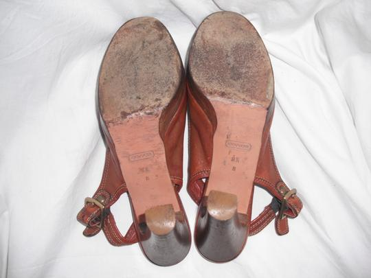 Coach Giana Leather Made In Italy Distressed Brown Pumps Image 8