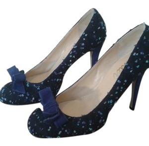 Butter blue Pumps