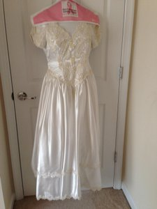 Satin White and Beads Vintage Wedding Dress Size 4 (S)