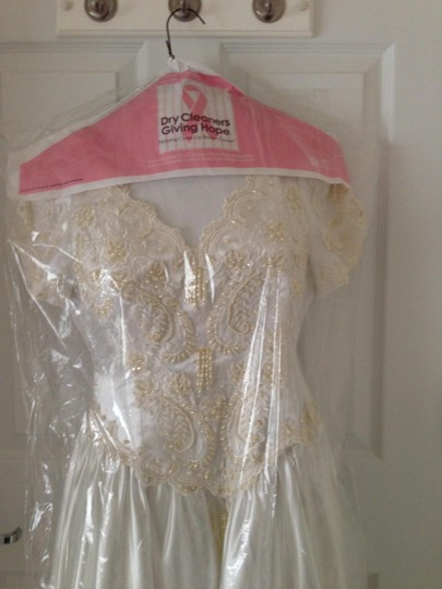 Satin White and Beads Vintage Wedding Dress Size 4 (S) Image 1