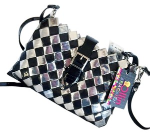 Nahui Ollin Arm Candy Eco Friendly Candy Wrapper Clutch Shoulder Stap Patten Leather Recycled Cross Body Bag