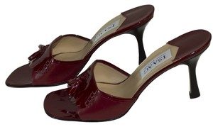 Isaac Mizrahi Patten Leather 3 1/4 In. Heels Size 9 B red Pumps