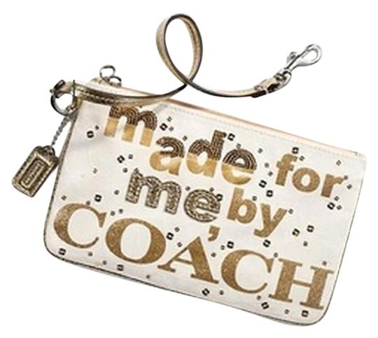 Preload https://img-static.tradesy.com/item/11348680/coach-poppy-made-for-me-by-wristlet-0-2-540-540.jpg