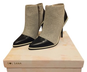 Sol Sana Stiletto Pump Two-tone Felt grey & black with white Boots