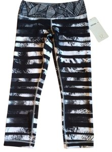 Lululemon New With Tags Lululemon Wunder Under Crop II spbh Striped Black Gray White Size 6