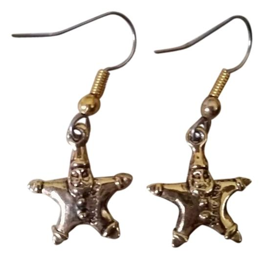 Preload https://img-static.tradesy.com/item/11354233/gold-color-merry-earrings-0-1-540-540.jpg