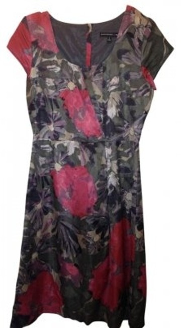 Preload https://item1.tradesy.com/images/banana-republic-multi-floral-mad-men-above-knee-workoffice-dress-size-4-s-11355-0-0.jpg?width=400&height=650