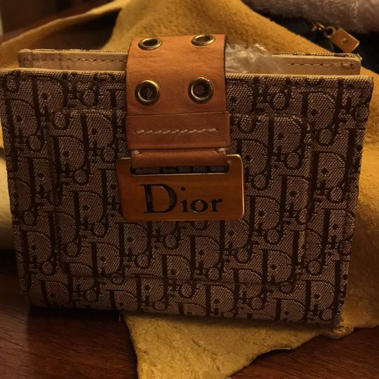 Dior Beautiful to your authentic wallet Image 2