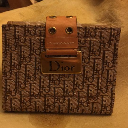 Dior Beautiful to your authentic wallet Image 3