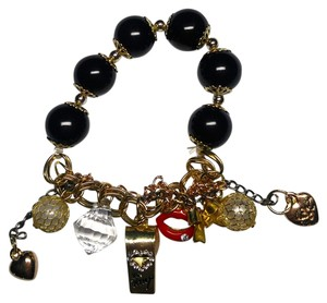 Betsey Johnson Betsey Johnson Charm Bracelet Whistle Lips Gold Tone Black J1895