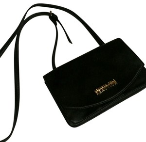Kenneth Cole Reaction Vintage Cross Body Bag