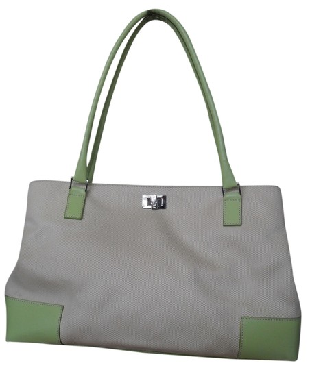 Preload https://img-static.tradesy.com/item/1136224/lambertson-truex-off-white-canvas-with-pale-green-leather-trim-tote-0-0-540-540.jpg