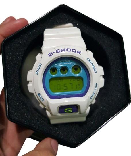 Preload https://img-static.tradesy.com/item/11362564/casio-white-gshock-watch-0-1-540-540.jpg