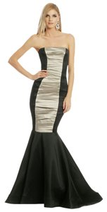Vera Wang Mermaid Fitted Dress