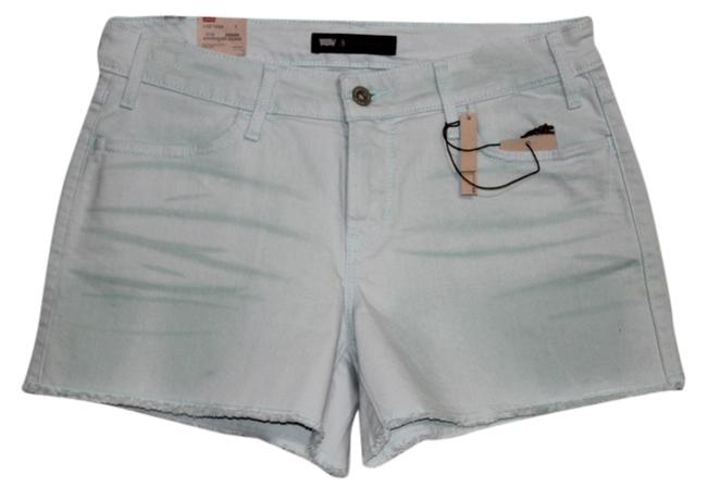 Preload https://item4.tradesy.com/images/levi-s-mint-new-with-tags-cut-off-shorts-size-8-m-29-30-1136703-0-0.jpg?width=400&height=650