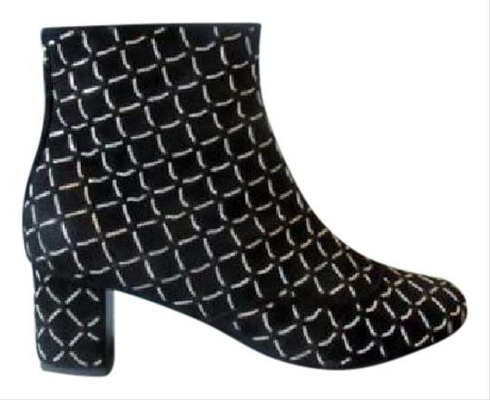 Preload https://img-static.tradesy.com/item/11370418/chanel-black-new-15a-suede-chain-detail-ankle-bootsbooties-size-eu-37-approx-us-7-regular-m-b-0-1-540-540.jpg