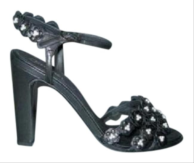 Chanel Black 15p New Camellia Leather Pearl Flower Sandals Size EU 37.5 (Approx. US 7.5) Regular (M, B) Chanel Black 15p New Camellia Leather Pearl Flower Sandals Size EU 37.5 (Approx. US 7.5) Regular (M, B) Image 1