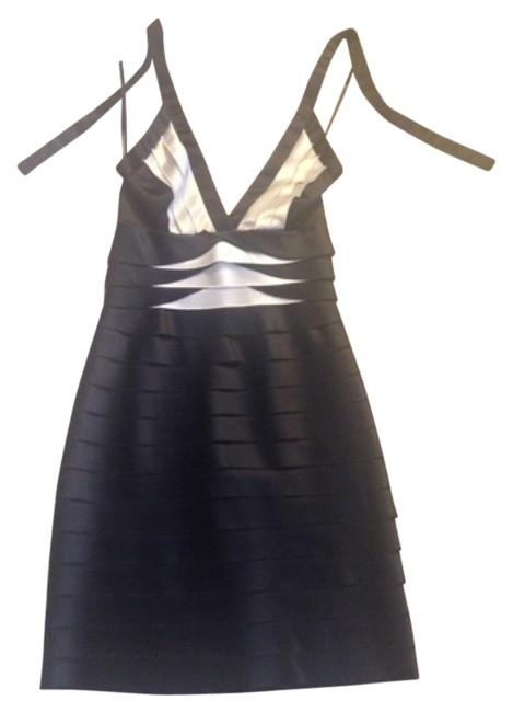Preload https://img-static.tradesy.com/item/11371030/bcbgmaxazria-black-and-white-none-knee-length-cocktail-dress-size-6-s-0-1-650-650.jpg