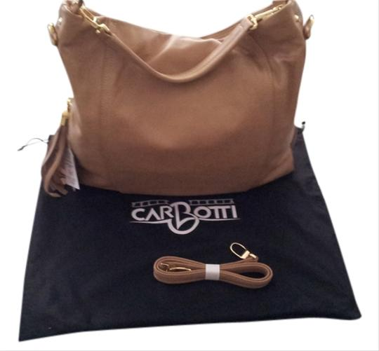 Preload https://item1.tradesy.com/images/carbotti-leather-shoulder-bag-cappuccino-1137195-0-0.jpg?width=440&height=440