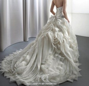 Demetrios Gr238 Wedding Dress