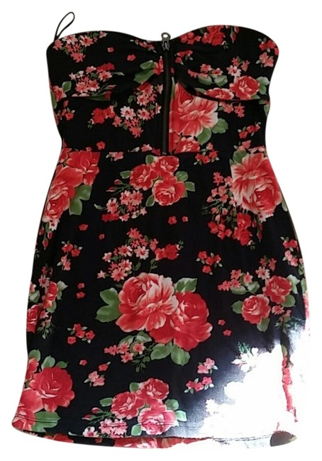 Red and Black Floral Tube Mini Cocktail Dress Size 2 (XS) Red and Black Floral Tube Mini Cocktail Dress Size 2 (XS) Image 1