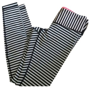 Lululemon New With Tags Lululemon Wunder Under Pants Size 4 Angel Wing Bold Stripe Black And White